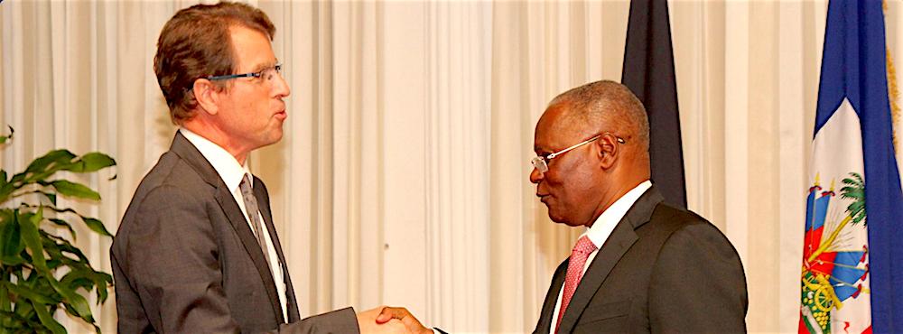 Le Chef de l'Etat reçoit les lettres de créance de Manfred Auster, nouvel ambassadeur de l'Allemagne en Haïti