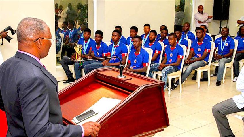 Le Président de la République et la Sélection U-20 de football
